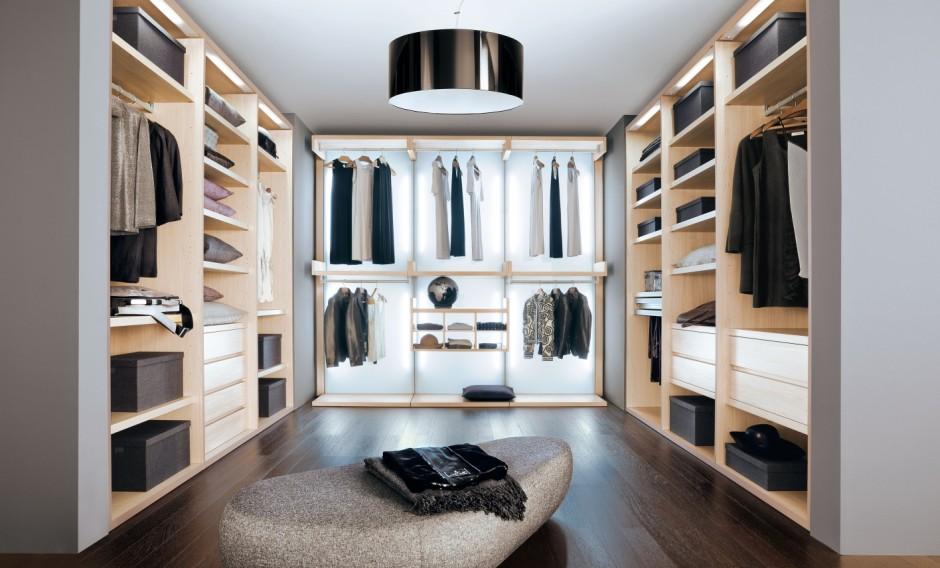 Cabina armadio con pannelli luminosi epoca mobili - Idee cabina armadio ...