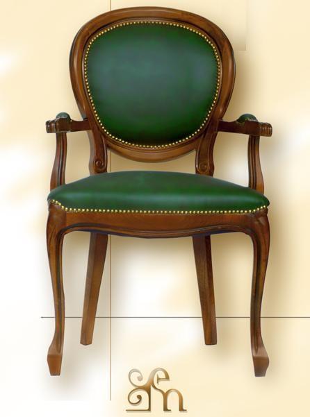 Poltrona ovale con braccioli epoca mobili - Descrizione camera da letto in inglese ...