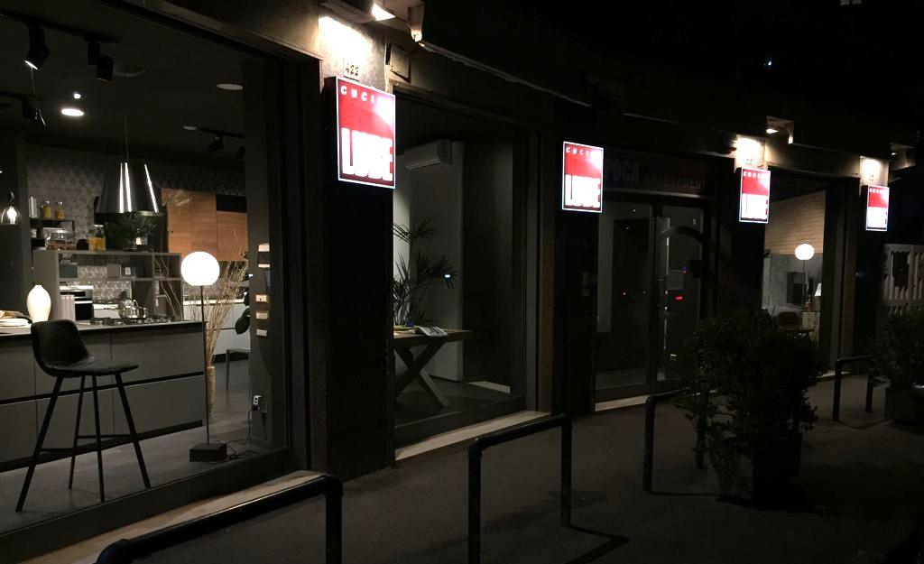 Vetrina Showroom Cucine Lube Napoli